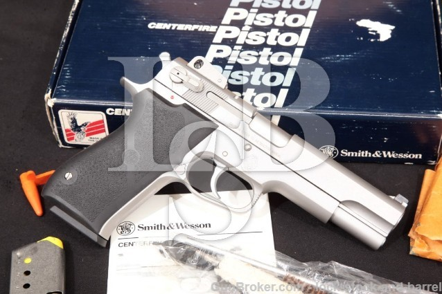 Smith & Wesson 1006 10mm Semi-Auto Pistol, 1990-91