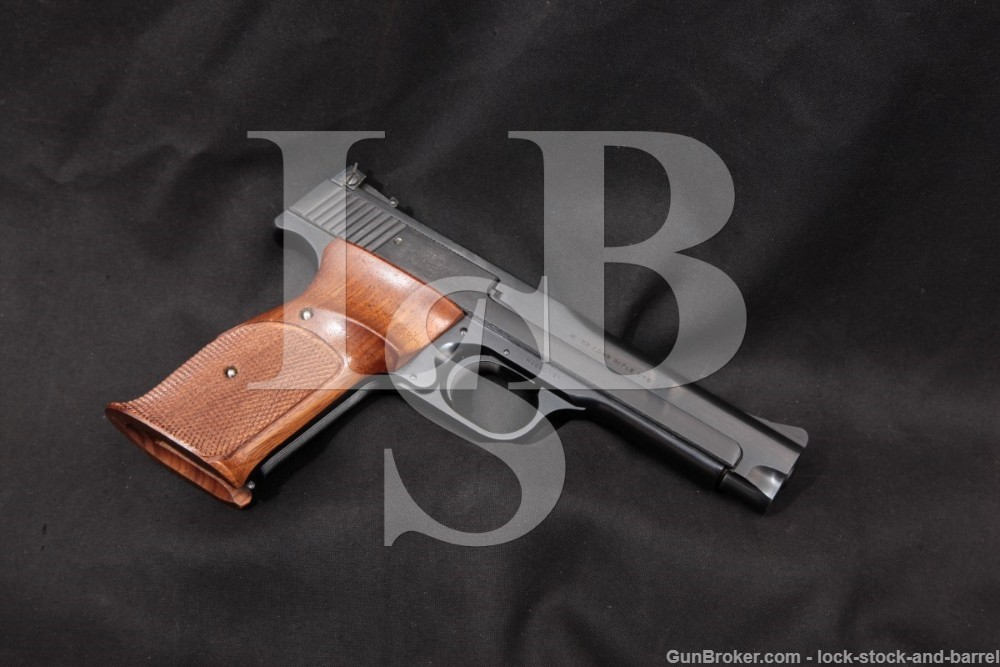 "Smith & Wesson Model 41 Lightweight 5"" .22 LR Semi-Auto Pistol, 1970-1971"