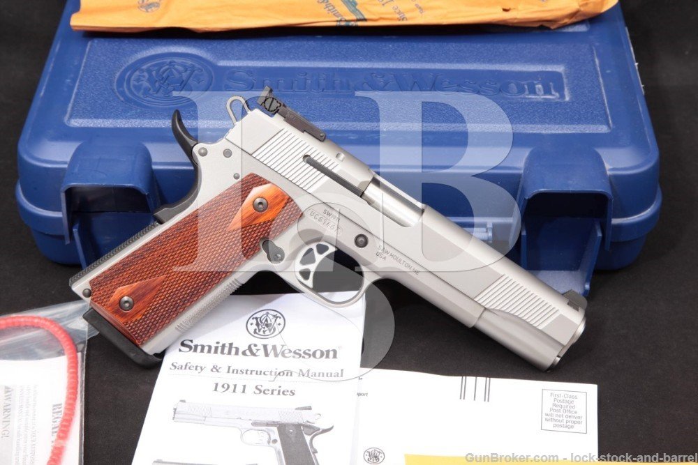 Smith & Wesson S&W SW1911 SW 1911 108284 .45 ACP Semi-Auto Pistol, MFD 2011