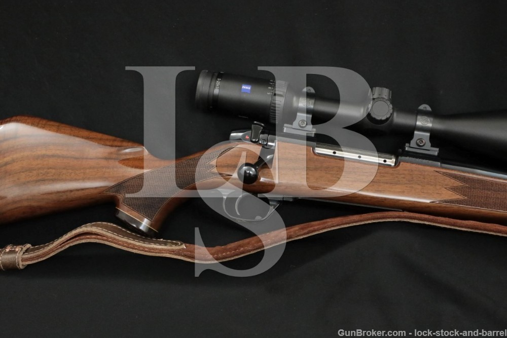 """Weatherby USA Mark V 300 Wby. Magnum 26"""" Bolt Action Rifle, MFD 2002-2004"""