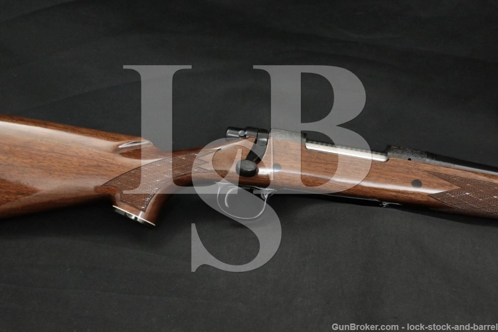 """Remington Model 700 BDL Custom Deluxe .338 Win Mag 26"""" Bolt Action Rifle"""