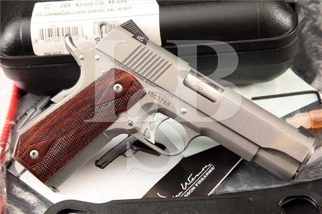 """Dan Wesson Commander Classic Bobtail CBOB 1911 Stainless 4 1/4"""" .45 ACP Semi-Auto Pistol & Case"""