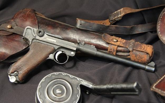 1914 DWM Artillery Luger Pistol Carbine Complete Ensemble: Stock, Snail Drum Magazine