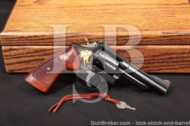 """Smith & Wesson S&W 19-3 Angelo Bee Engraved 1971 Blue 4"""" Double Action Revolver & Case, .357 Magnum"""
