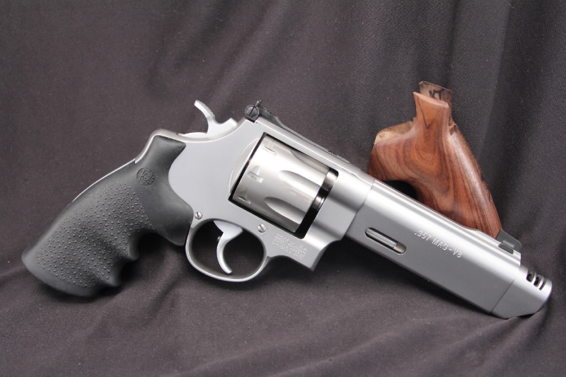Smith & Wesson, S&W Model 627-3 V Comp Performance Center .357 Magnum Revolver