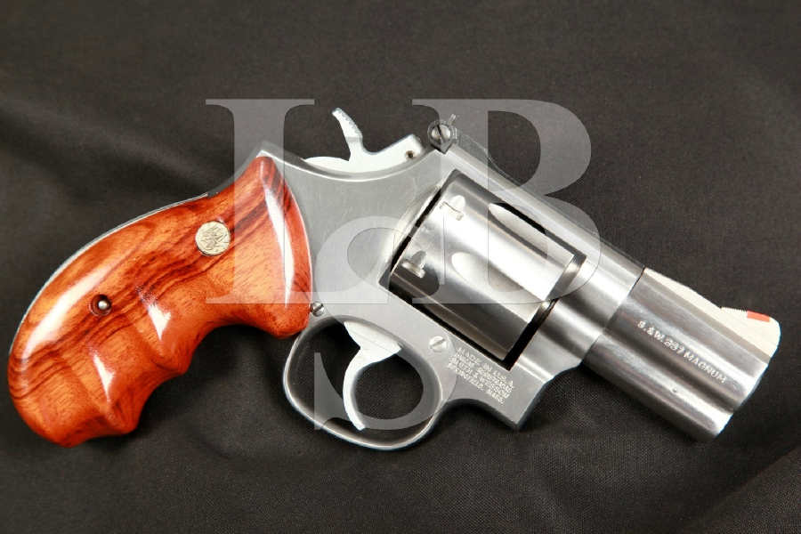 "Smith & Wesson S&W Model 686-3, the Distinguished Combat Magnum 2 1/2"" Stainless Double Action Revolver, RARE, MFD 1988"